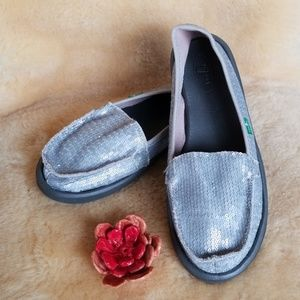 Sanuk sequin loafers womens 8 $14